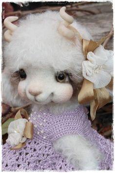 Chevrette Lucy By Sadovskaya Tatiana - Bear Pile