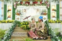 Foto Paes Ageng Jogja Indonesian Traditional Wedding Dress www.palkievent.com