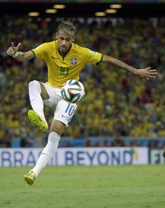 Brazil's Neymar controls the ball during the World Cup quarterfinal soccer match between Brazil and Colombia at the Arena Castelao in Fortaleza, Brazil, Friday, July (AP Photo/Hassan Ammar) Neymar Jr, Neymar Football, Football Is Life, World Football, Soccer World, Lionel Messi, Fc Barcelona, Neymar Brazil, Brazil Team