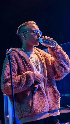 Russian Rap, Soul Singers, Guys, Concert, Celebrities, People, Random, Style, Fashion