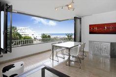 Smakfullt renoverad lägenhet med hamn- och havsutsikt i Puerto Portals