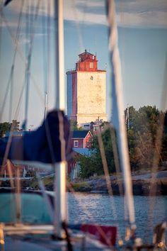 s/y Naminami / Purjehdusblogi / Jon 33 / Tuomas Pelto / Anu Kainulainen: Utö