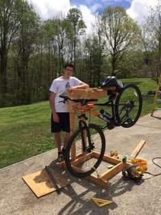 Homemade Wooden Bicycle Stand With Dual Mounting: 5 Steps (with Pictures) Homemade Bike Stand, Bike Stand Diy, Bicycle Stand, Bike Challenge, Diy Garage Storage, Storage Organization, Wooden Bicycle, Fixed Bike, Bicycle Maintenance