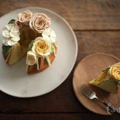 쿠글로프 & 플라워케이크 #플라워케이크클래스 #flowercakeclass #flowercake #florist #플라워케이크 #버터크림…