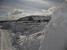 """Un buen """"tajo"""" de nieve en Mosqueruela, marzo de 2013"""