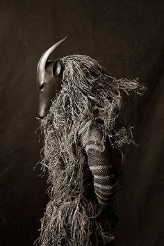 """Chokwe"" Zambia, Africa ©Francois d'Elbee Arte Tribal, Tribal Art, Tribal Fusion, African Masks, African Art, Zoo 2, Art Premier, Tribal People, Art Africain"