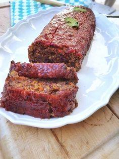 No meat loaf - le pain de viande vegan – du bio dans mon bento Vegetarian Day, Vegetarian Recipes, Vegan Meatloaf, Lentil Loaf, Hamburger Meat Recipes, Plant Based Eating, Seitan, Winter Food, Bento