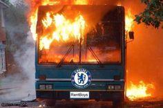 Autokar Jose Mourinho został spalony przez Paris Saint Germain • Śmieszne foty w piłce nożnej • PSG spaliło Chelsea Londyn • Zobacz >> #chelsea #memes #football #soccer #sports #pilkanozna #funny