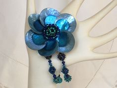 Lola Flower Bracelet - blue, emerald green i want this