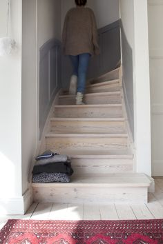 lighter wooden staircase Sea Captain, Wooden Staircases, Interior Ideas, Lighter, Basement, Stairs, Rug, Pretty, Beautiful