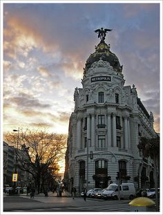 Metrópolis Building.   By /mrpunto, via Flickr