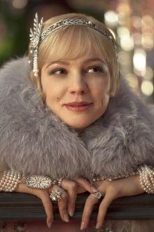 """Die Neuverfilmung von """"Der große Gatsby"""" macht den Modetrend der 20iger erneut trendy ... Viel Glitzer, Pelz (hoffentlich nur Fakes), Flatterkleider ..."""