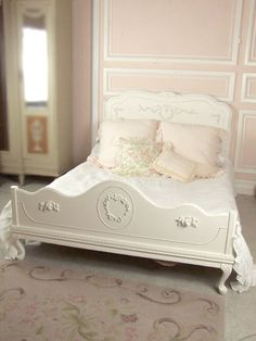 French Wreath Rose Full Vintage Bed  I love the molding outlines all the way up the wall and this is easy diy to make a wall have great detail.... Love to add molding