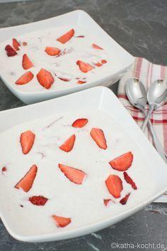 Kokoscreme mit frischen Erdbeeren - katha-kocht!