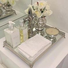 Ideas for bath tray decor vignettes - Home Accessories Decor Bathroom Counter Decor, Bathroom Countertops, Bathroom Spa, Bathroom Interior, Small Bathroom, Bathroom Ideas, Neutral Bathroom, Bath Ideas, Bathroom Trays