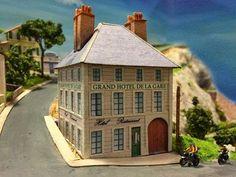 PAPERMAU: Le Grand Hôtel De La Gare Paper Model - by Réseau Saint Michel