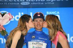 Damiano Cunego si prepara a due giorni di lotta intensa per conquistare la maglia blu ;-)