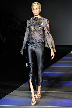 Giorgio Armani Spring 2012 – Vogue