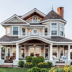 Most Popular Dream House Exterior Design Ideas - Traumhaus Dream House Exterior, Dream House Plans, Dream House Images, Victorian Homes Exterior, House Exteriors, Dream Home Design, House Design, Casas The Sims 4, Luxury Homes Dream Houses