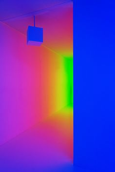 CARLOS CRUZ-DIEZ at HAYWARD GALLERY LIGHT SHOW, photographed by nat urazmetova, SOME/THINGS AGENCY