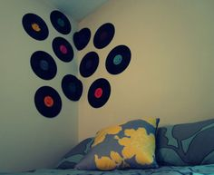 Such a cool wall idea!