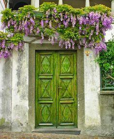 Rengarenk çiçekli kapı giriş tasarımları http://www.canimanne.com/rengarenk-cicekli-kapi-giris-tasarimlari.html