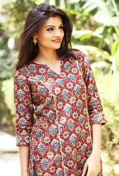 #prints #kurta #women #fashion #red #blue #white #Fabindia