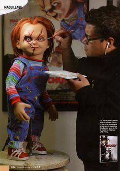 behind the scenes Chucky Halloween, Chucky Costume, Horror Art, Horror Movies, Good Guy Doll, Childs Play Chucky, Bride Of Chucky, Sideshow Collectibles, Michael Myers