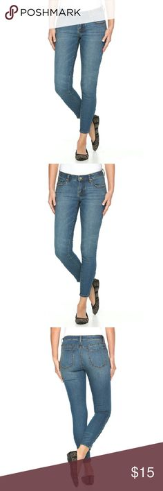 """New Apt 9 skinny jeans size 9 women's New Apt 9 skinny jeans size 9 women's,super stretchy, inseam; 31"""",fitting, seamed, brand new, looks exactly like pictured above,no flaws or stains. . Great to wear with any outfit for a dressy or casual wear. Wearable, slimming, ready to wear !Selling this designer brand for a great price!New! Apt 9  Jeans Skinny"""