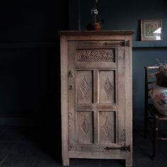 Westmorland 17th c dry oak cupboard - Decorative Collective