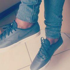 Jeans n sneakers