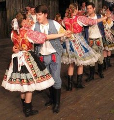 Hlohovecko a Piešťany – kroj Folk Costume, Costumes, The Older I Get, Heart Of Europe, My Roots, European Countries, My Heritage, Czech Republic, Harajuku