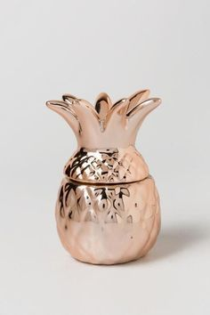 The Rose Gold Pineapple Trinket Box is the perfect decor that can act as a trinket holder! This rose gold pineapple is ceramic and has a metallic shine! Rose Gold Rooms, Rose Gold Decor, Rose Gold Aesthetic, Luminaire Vintage, Gold Everything, Gold Pineapple, Gold Bedroom, Dream Bedroom, Copper Rose