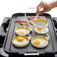 Fried Egg Pancake Ring Omelette Fried Egg Round Shaper Eggs Mould for Cooking Breakfast Frying Pan Oven Kitchen Cool Kitchen Gadgets, Kitchen Items, Kitchen Utensils, Kitchen Tools, Cool Kitchens, Smart Kitchen, Cooking Utensils, Kitchen Appliances, Cooking Gadgets