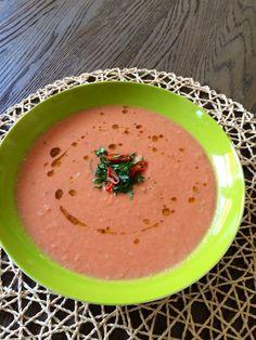Sopa de Tomate, Coco y chili