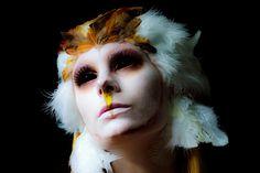 Owl make up. Owl Makeup, Makeup Art, Makeup Ideas, Gothic Makeup, Fantasy Makeup, Halloween Eye Makeup, Halloween Costumes, Halloween 2018, Halloween Ideas