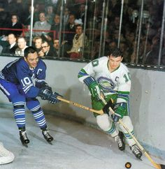 George Armstrong of the Leafs and Ted Hampson of the Oakland Seals Hockey Pictures, Sports Pictures, Hockey Teams, Ice Hockey, George Armstrong, Maple Leafs Hockey, Vancouver Canucks, Hockey Cards, Toronto Maple Leafs
