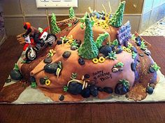 Dirt Bike Cake - fondant. Perfect for craigo or I could change it to a mountain bike.