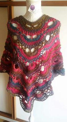 Poncho lavorazione uncinetto pura lana Big Drops delight... http://www.ravelry.com/projects/danieladaf/poncho-virus