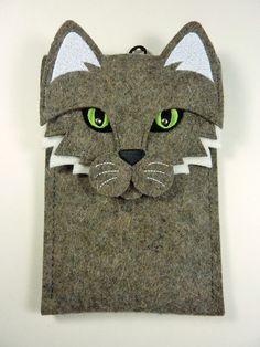 iPhone 5 5S 5C 4 4S case  Cat in gray felt case door BoutiqueID, $31.00 / €23,39.