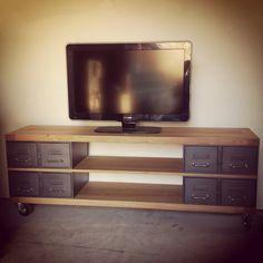 Meilleur Mobilier et décoration:Belle Meuble Tv Palette Diy Meuble Tv Style Industriel Avec Ancien Tiroirs Et Plateaux En Incroyable Meuble Tv Palette Diy