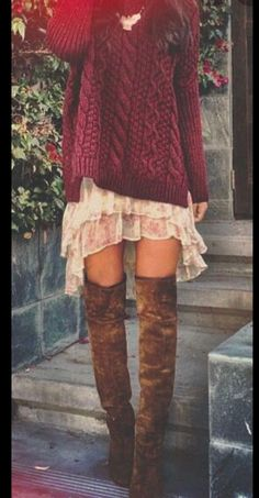 30 Cute And Cheap Fall Dresses - - I love this maroon and burgundy sweater dress with the over the knee boots for fall! Source by tiascifo Sweater Dress Outfit, Hijab Outfit, Sweater Dresses, Dress With Sweater, Mode Hippie, Mode Boho, Trendy Fashion, Girl Fashion, Vestidos