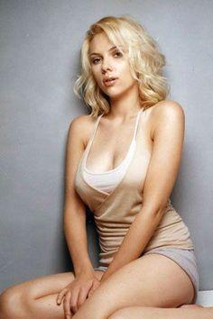 http://www.briggsphoto.net/wp-content/uploads/2012/05/scarlett-johansson-very-sexy.jpg