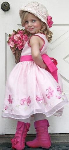 ♥The ultimate girly photo: Bows, Flowers, and PINK! My favorite childrens photography shot!