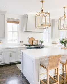 As we welcome springtime I'm showing you some hints of spring around our home. From the Family room to the Kitchen we are celebrating warmer days ahead. Kitchen Redo, Home Decor Kitchen, Kitchen Interior, Kitchen Dining, Kitchen Remodel, Pottery Barn Kitchen, Warm Kitchen, Natural Kitchen, Cute Kitchen