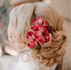 Popular Wedding Hairstyles That Are Always In Vogue! Weddings are always a reason for celebrations, not just for those who are about to be wed but also for the family and friends of the couple. All want the best for the bride and therefore, there are numerous suggestions coming about a variety of things. Most[Read the Rest]