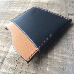 We have redesigned the 3-pocket DuoFold wallet. It will make its first appearance today at the Mountain View Art & Wine Festival Sep 10-11.#mountainviewartandwinefestival  Handcrafted with full grain eco camel leather and handstitched with French linen thread. #nomachines - - - -  #Leather #leathercraft #leatherwork #handstitched #leathergoods #handmade #handcrafted #camel #camelleather #edc #smallbatch #frontpocket #madeinusa #madeinca #leatherwallet #minimalwallet #wallet #minimal…