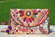 BANJARA CLUTCH INDIAN Bag  Ethnic Bag. Large Bag por MISIGABRIELLA