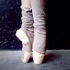 Pointe shoes and leg warmers Dance Like No One Is Watching, Dance With You, Dance Photos, Dance Pictures, Pointe Shoes, Ballet Shoes, Princesa Tutu, Free People Blog, Ballet Dancers