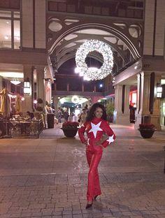 2015 Christmas decoration at Santana Row, San Jose  When you look good, you feel good!